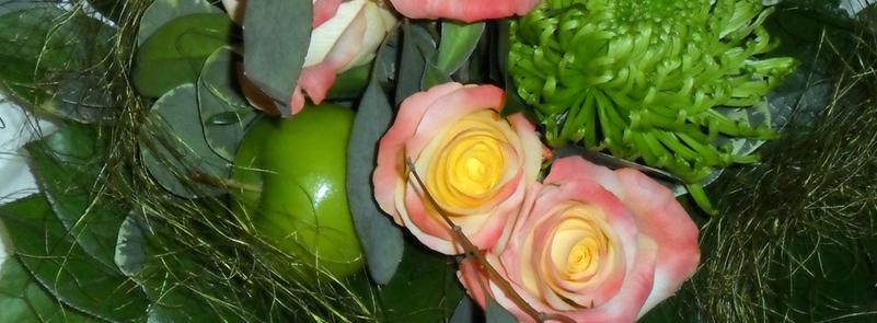 Rosen und Apfel