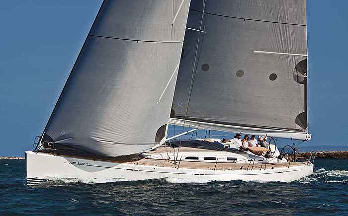 X-55. Standardly equipped with the Nomen Cleat. www.x-yachts.dk