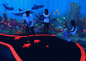 Minigolf Schwarzlichtviertel Unterwasserwelt Schwarzlichtwelt Firmenevent